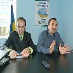 FOTO/VIDEO – PNTCD face alianta cu PMP (PNTCD+PMP=LOVE). La Buzau, cei aproape 200 de membri merg pe mana lui Basescu si Udrea. Vezi aici incredibilele concesii facute de taranisti!