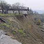 Sase case in curs de prabusire – se intampla in localitatea Lacuri – comuna Bisoca. Vezi aici amanunte