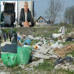 INCREDIBIL (FOTO/VIDEO) – RER Ecologic Service nu a mai ridicat gunoiul de pe o strada de un an de zile! Pericol de infectie in Buzau – angajatii societatii de salubrizare au nivelat lesurile moarte si gunoaiele menajere si … au plecat!